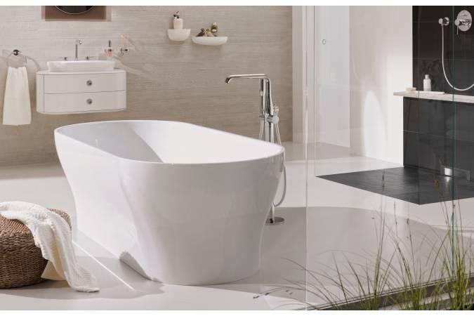 23491001 смеситель для ванны Essence New